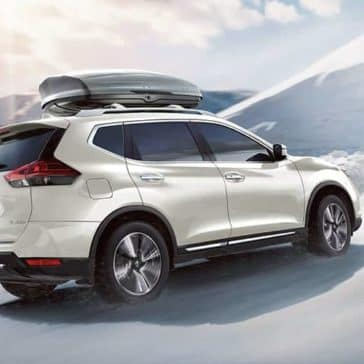 2019-nissan-rogue-on-a-snowy-mountain