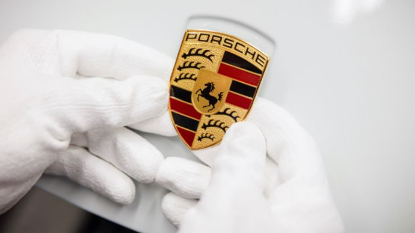The History of the Porsche Crest