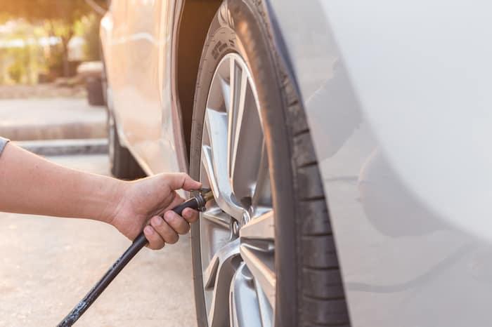 fix a flat tire