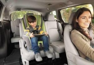 kids uses tablet in 2019 Honda Odyssey