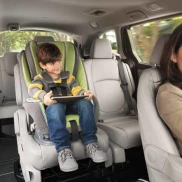 kids uses tablet in 2019 Honda Odyssey