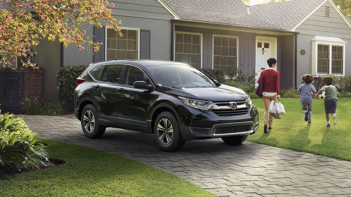 2019 Honda CR-V LX with family