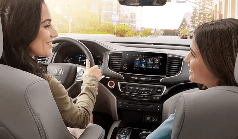 2019 Honda Pilot front seats dashboard