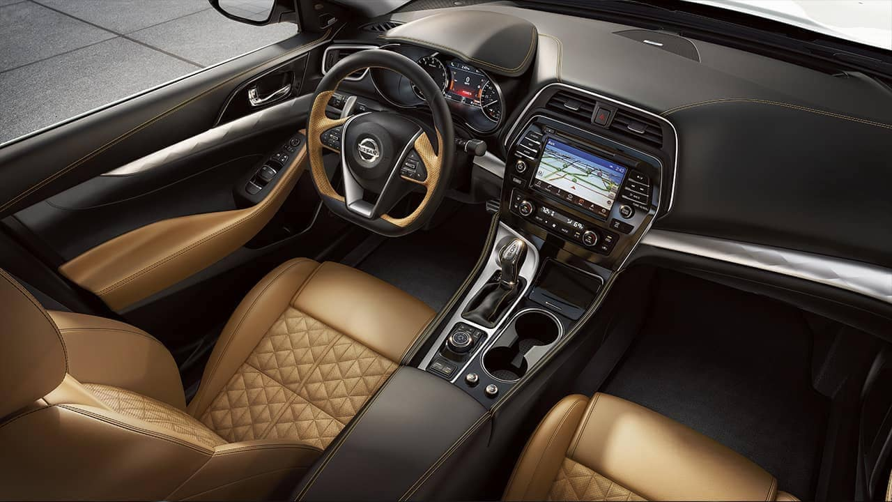 leather seating and interior details of 2018 Nissan Maxima