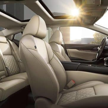moonroof and leather seating in 2018 Nissan Maxima