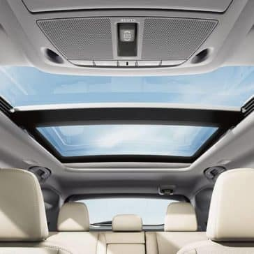 panoramic moonroof in 2018 Nissan Murano