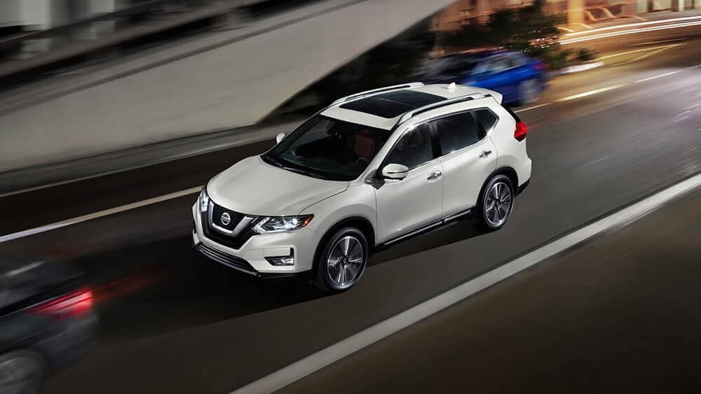 2018 Nissan Rogue in Pearl White
