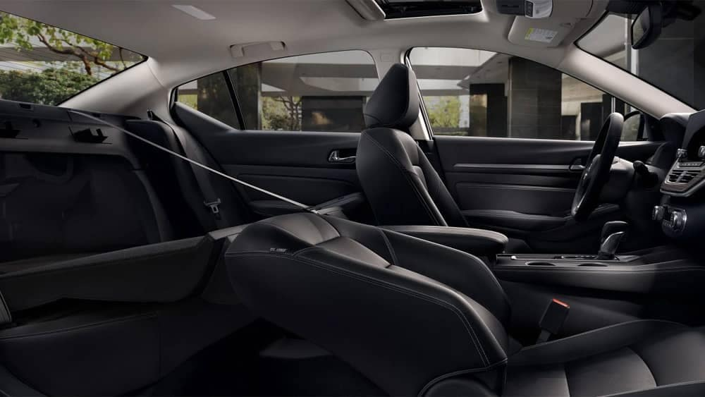 2020-nissan-altima-60-40-split-folding-rear-seat